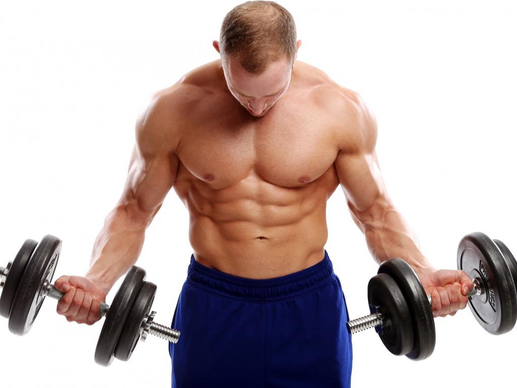 Excentrický tréning negatívnych opakovaní pre nárast a budovanie svalov pohyb.sk
