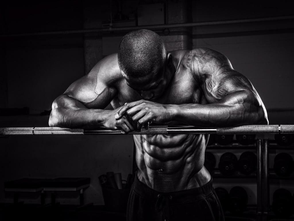 Poškodenie svalov pri tréningu, svalovica a jej vplyv na rast svalov pohyb.sk