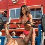 Sú dva druhy ľudí, ktorí chodia cvičiť. Tí čo trénujú a tí čo sa tak tvária. K akej skupine patríš ty?