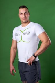 Pánske biele fitnes tričko s nápisom Muscle edition od POHYBsk