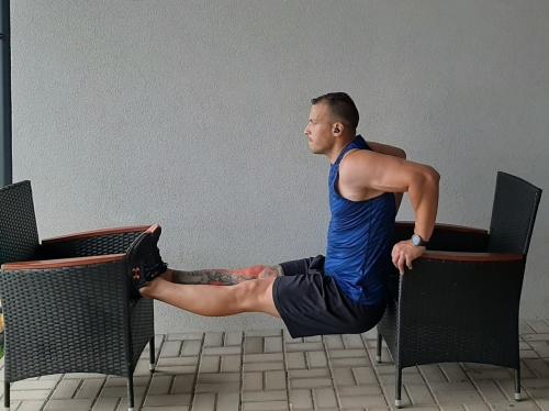 Obrátené tricepsové kľuky popis a technika cviku na triceps